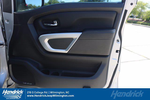 2017 Nissan Titan Crew Cab 4x4, Pickup #20231-1B - photo 32