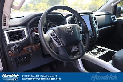 2017 Nissan Titan Crew Cab 4x4, Pickup #20231-1B - photo 14