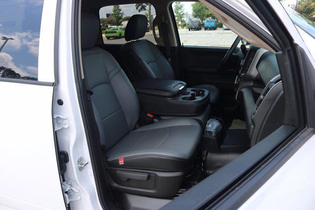 2020 Ram 5500 Crew Cab DRW 4x4, Cab Chassis #L53400 - photo 32