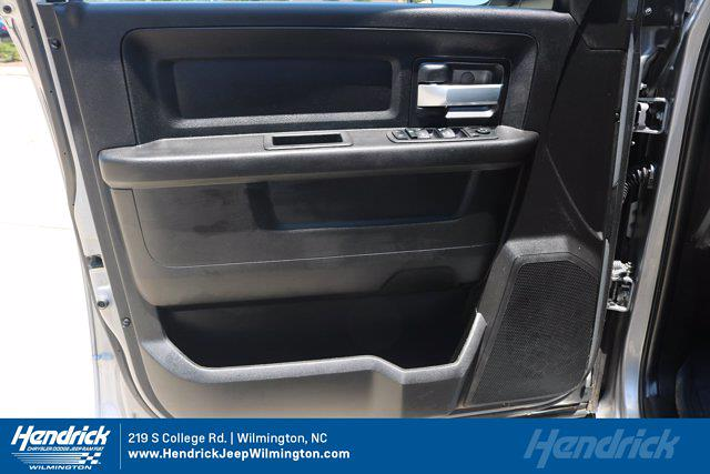 2019 Ram 3500 Crew Cab 4x4, Platform Body #M26645G - photo 11