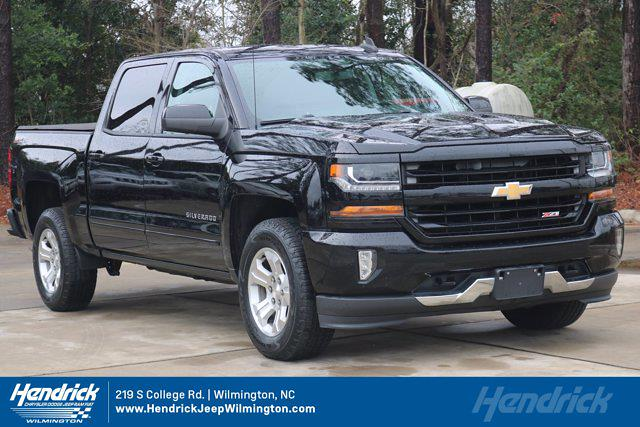 2017 Chevrolet Silverado 1500 Crew Cab 4x4, Pickup #M29653C - photo 1