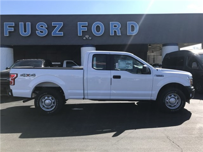 2018 F-150 Super Cab 4x4, Pickup #F18418 - photo 3