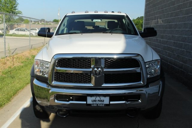 2017 Ram 5500 Crew Cab DRW 4x4, Cab Chassis #DR7237 - photo 4