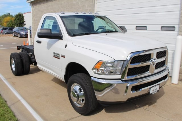 2017 Ram 3500 Regular Cab DRW, Cab Chassis #DR7247 - photo 3