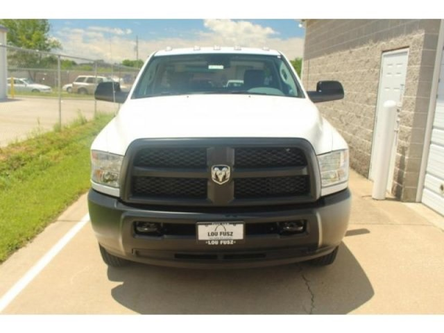 2017 Ram 3500 Regular Cab DRW 4x4,  Cab Chassis #DR7274 - photo 4