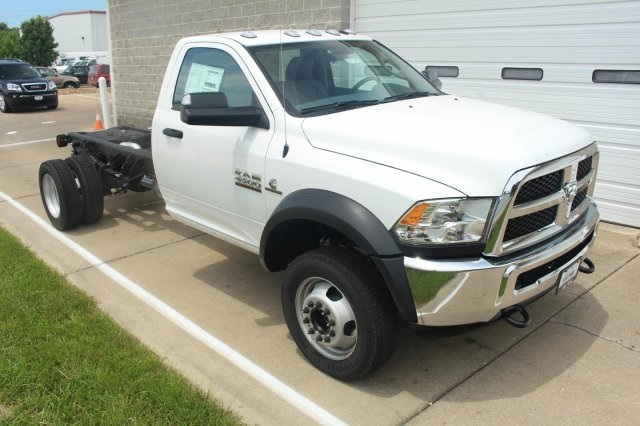 2017 Ram 4500 Regular Cab DRW, Cab Chassis #DR7275 - photo 3