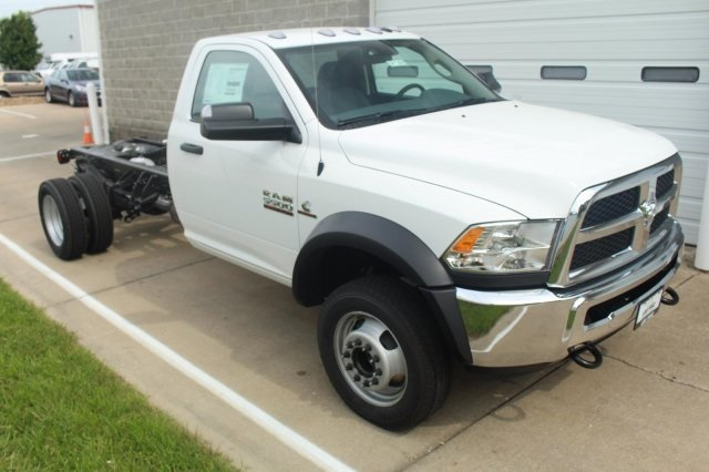 2017 Ram 5500 Regular Cab DRW, Cab Chassis #DR7288 - photo 3