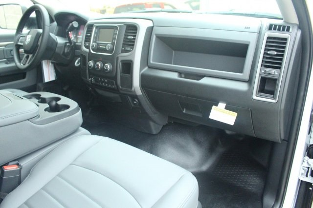 2017 Ram 5500 Regular Cab DRW, Cab Chassis #DR7295 - photo 13