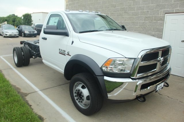2017 Ram 5500 Regular Cab DRW Cab Chassis #DR7295 - photo 3