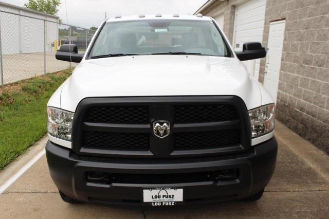 2017 Ram 3500 Regular Cab DRW, Cab Chassis #DR7326 - photo 4