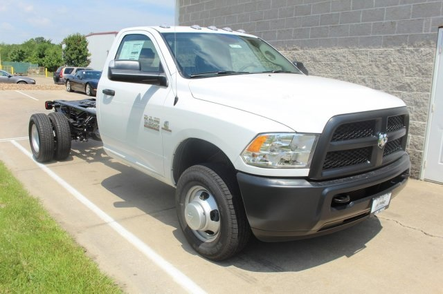 2017 Ram 3500 Regular Cab DRW 4x4, Cab Chassis #DR7327 - photo 3