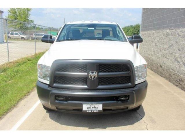 2017 Ram 3500 Regular Cab DRW 4x4, Cab Chassis #DR7327 - photo 4