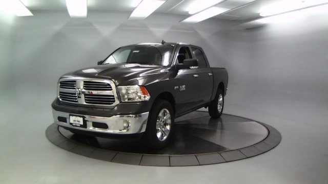 2017 Ram 1500 Crew Cab 4x4 Pickup #DR7329 - photo 4