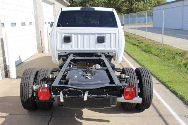 2018 Ram 3500 Crew Cab DRW 4x4, Cab Chassis #DR8016 - photo 5