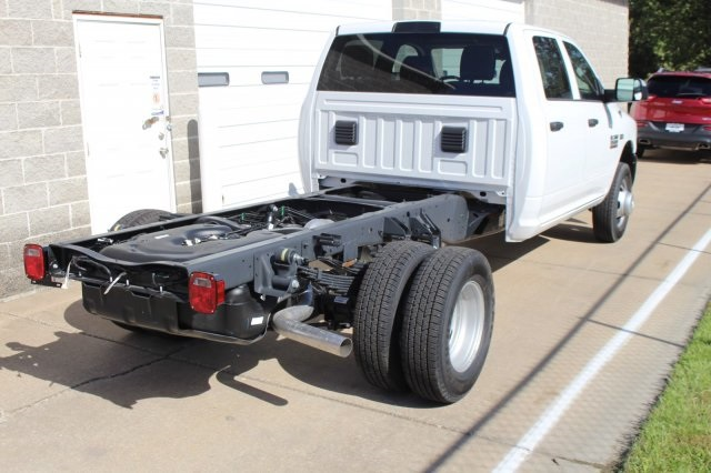 2018 Ram 3500 Crew Cab DRW 4x4, Cab Chassis #DR8016 - photo 6