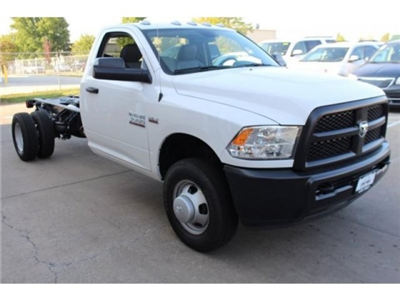2018 Ram 3500 Regular Cab DRW 4x4, Cab Chassis #DR8017 - photo 3