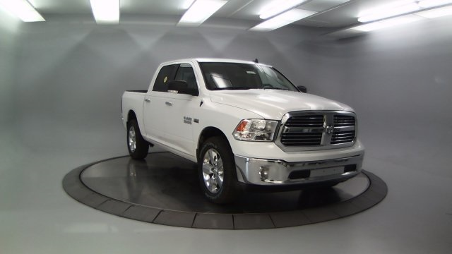 2018 Ram 1500 Crew Cab 4x4 Pickup #DR8030 - photo 11