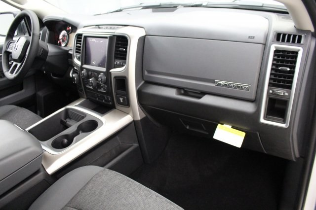 2018 Ram 1500 Crew Cab 4x4 Pickup #DR8030 - photo 21