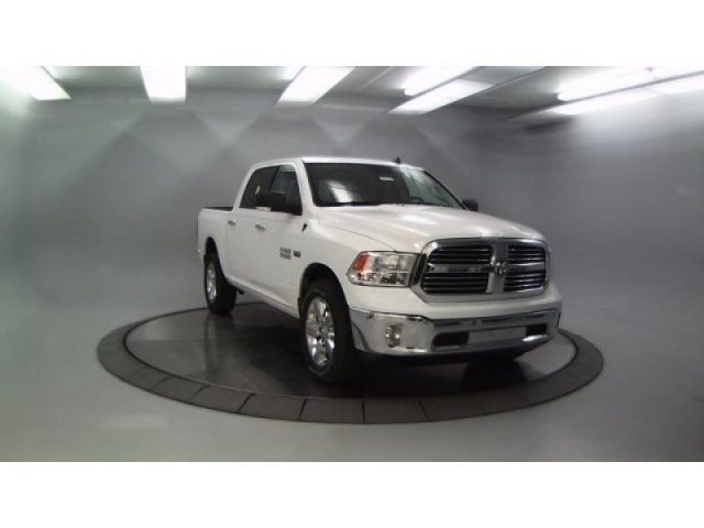 2018 Ram 1500 Crew Cab 4x4, Pickup #DR8030 - photo 4
