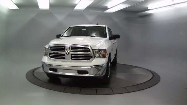 2018 Ram 1500 Crew Cab 4x4 Pickup #DR8030 - photo 5
