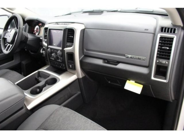 2018 Ram 1500 Crew Cab 4x4, Pickup #DR8030 - photo 21