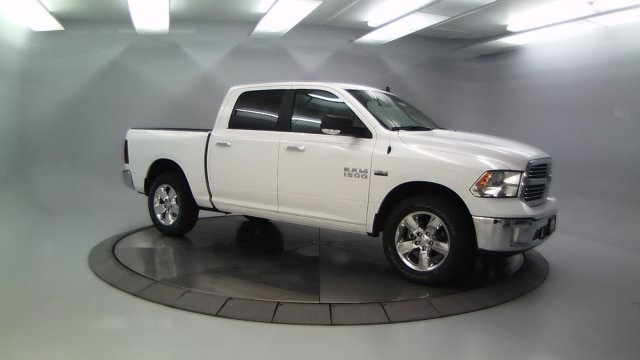 2018 Ram 1500 Crew Cab 4x4 Pickup #DR8031 - photo 10