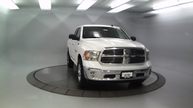 2018 Ram 1500 Crew Cab 4x4 Pickup #DR8031 - photo 11