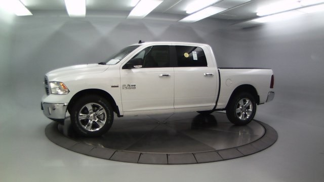 2018 Ram 1500 Crew Cab 4x4 Pickup #DR8031 - photo 5