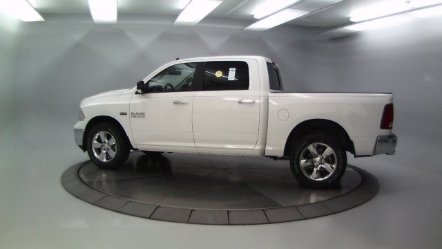 2018 Ram 1500 Crew Cab 4x4 Pickup #DR8031 - photo 6