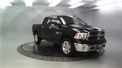2018 Ram 1500 Crew Cab 4x4, Pickup #DR8035 - photo 11