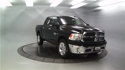 2018 Ram 1500 Crew Cab 4x4, Pickup #DR8035 - photo 4
