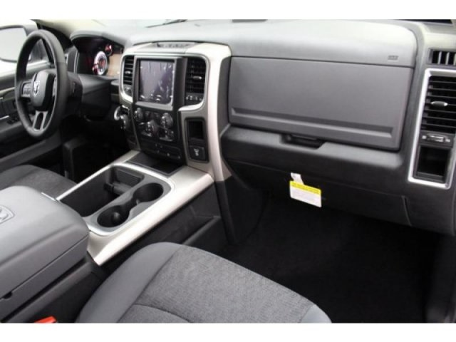 2018 Ram 1500 Crew Cab 4x4, Pickup #DR8040 - photo 24