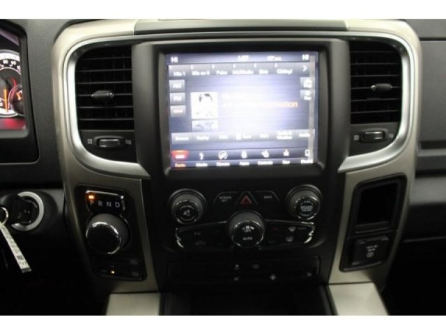 2018 Ram 1500 Crew Cab 4x4, Pickup #DR8040 - photo 25