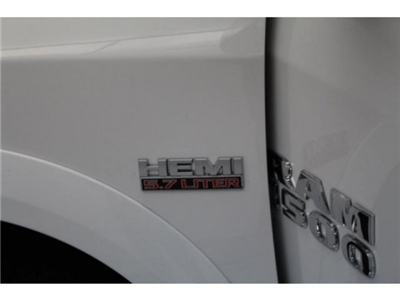 2018 Ram 1500 Crew Cab 4x4, Pickup #DR8040 - photo 14