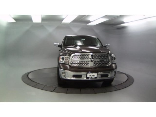 2018 Ram 1500 Crew Cab 4x4, Pickup #DR8061 - photo 4