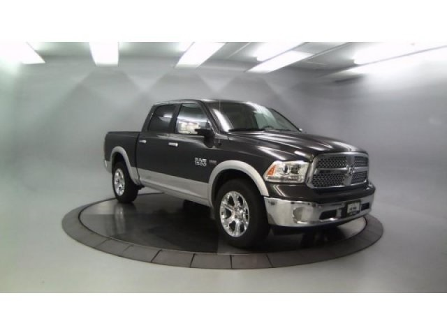 2018 Ram 1500 Crew Cab 4x4, Pickup #DR8071 - photo 11