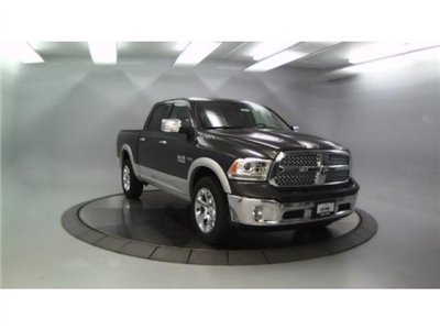 2018 Ram 1500 Crew Cab 4x4, Pickup #DR8071 - photo 4