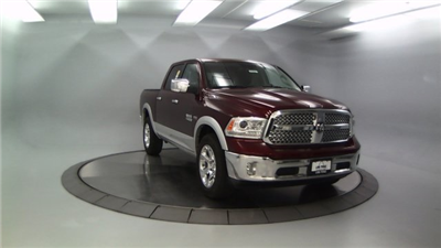 2018 Ram 1500 Crew Cab 4x4 Pickup #DR8081 - photo 4