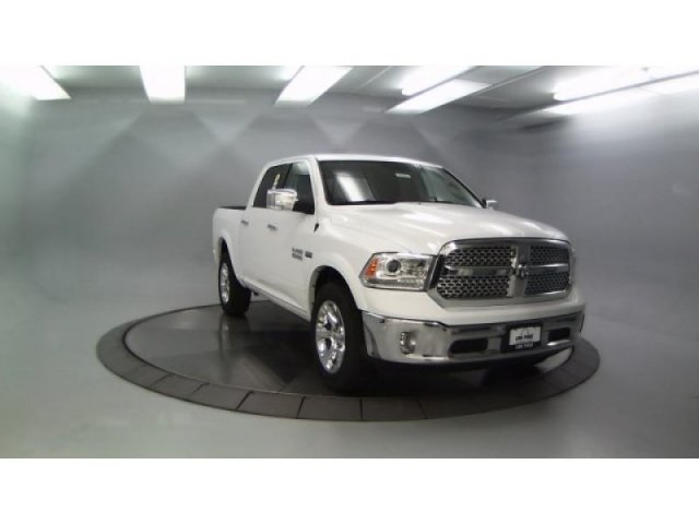 2018 Ram 1500 Crew Cab 4x4, Pickup #DR8082 - photo 4