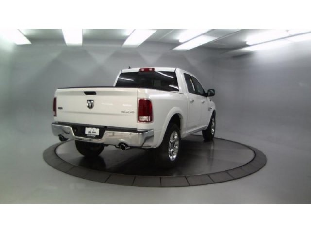 2018 Ram 1500 Crew Cab 4x4, Pickup #DR8082 - photo 8