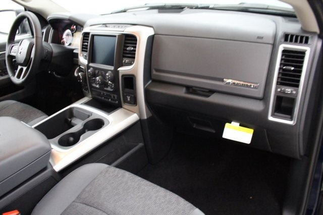 2018 Ram 1500 Crew Cab 4x4 Pickup #DR8083 - photo 23