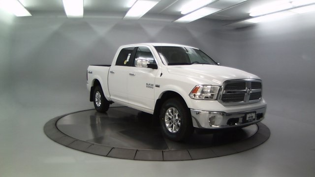 2018 Ram 1500 Crew Cab 4x4 Pickup #DR8087 - photo 11