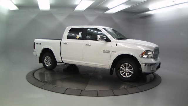 2018 Ram 1500 Crew Cab 4x4 Pickup #DR8087 - photo 3