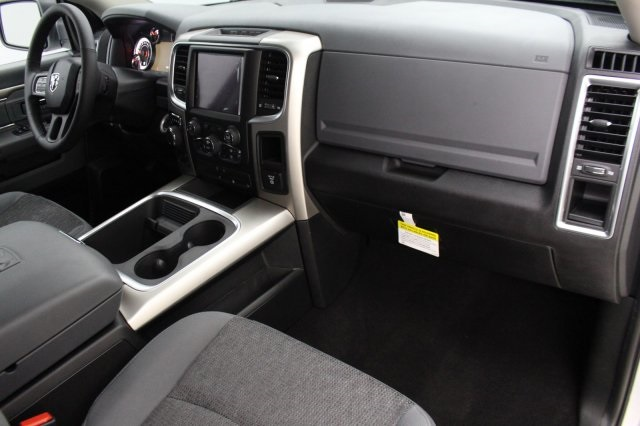 2018 Ram 1500 Crew Cab 4x4 Pickup #DR8087 - photo 23