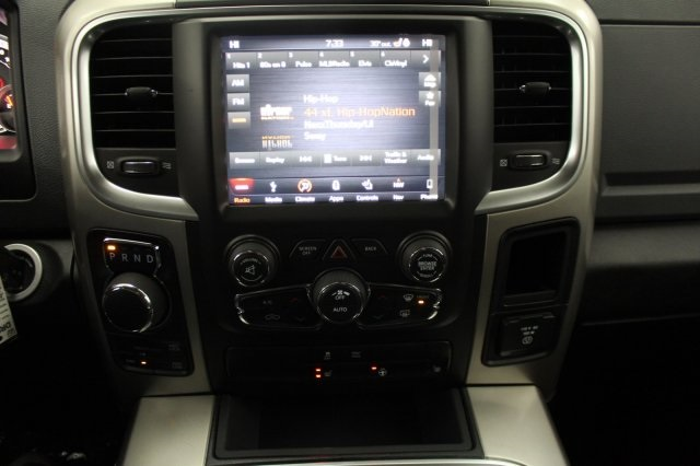 2018 Ram 1500 Crew Cab 4x4 Pickup #DR8087 - photo 25