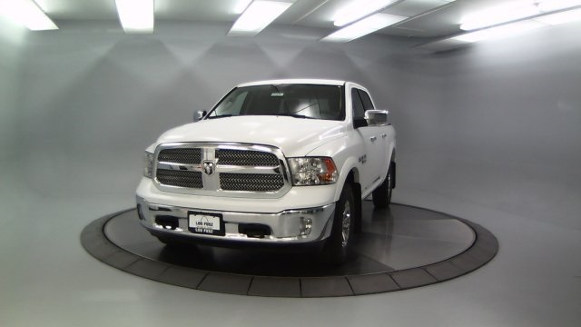 2018 Ram 1500 Crew Cab 4x4 Pickup #DR8087 - photo 5