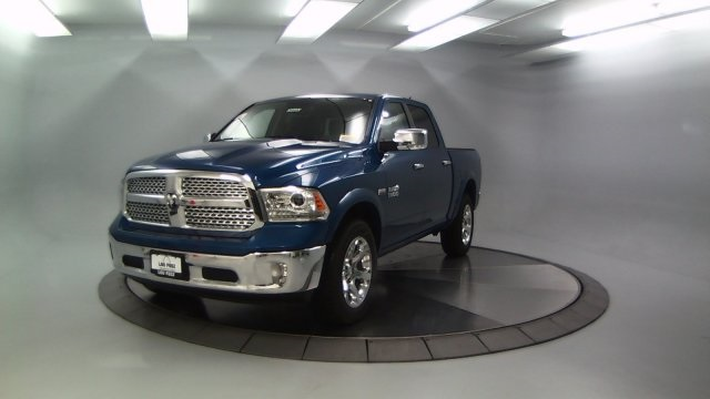 2018 Ram 1500 Crew Cab 4x4, Pickup #DR8090 - photo 4