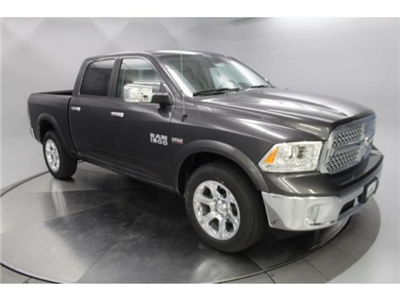 2018 Ram 1500 Crew Cab 4x4, Pickup #DR8103 - photo 2
