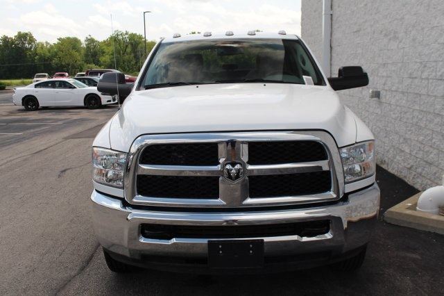 2018 Ram 3500 Crew Cab DRW 4x2,  Cab Chassis #DR8281 - photo 4