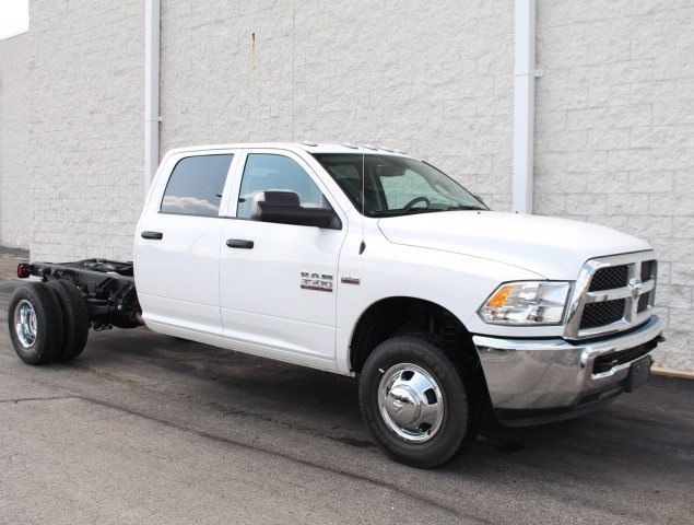 2018 Ram 3500 Crew Cab DRW 4x2,  Cab Chassis #DR8284 - photo 3